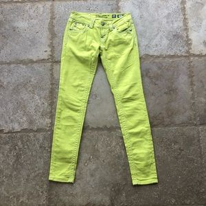 Miss Me NWOT Size 26 Lemon JS58475 Skinny Jeans
